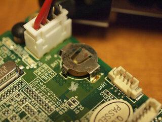 玄柴(KURO SHEEVA)でボタン電池が液漏れしていた
